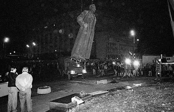 pamyatnik dzerzhinskomu demo